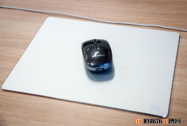【爆料】B格又高了,小米新玩具—苹果范,小米鼠标垫