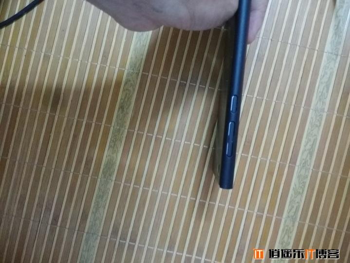 [逍遥乐评测]裸眼3D屏forMI3 简单开箱评测