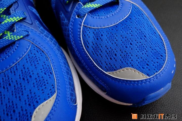 李宁&华米赤兔智能跑鞋评测体验:舒适有余,美观不足,