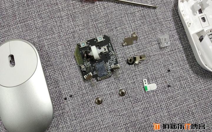 小米新品蓝牙便携鼠标开箱评测及拆机体验